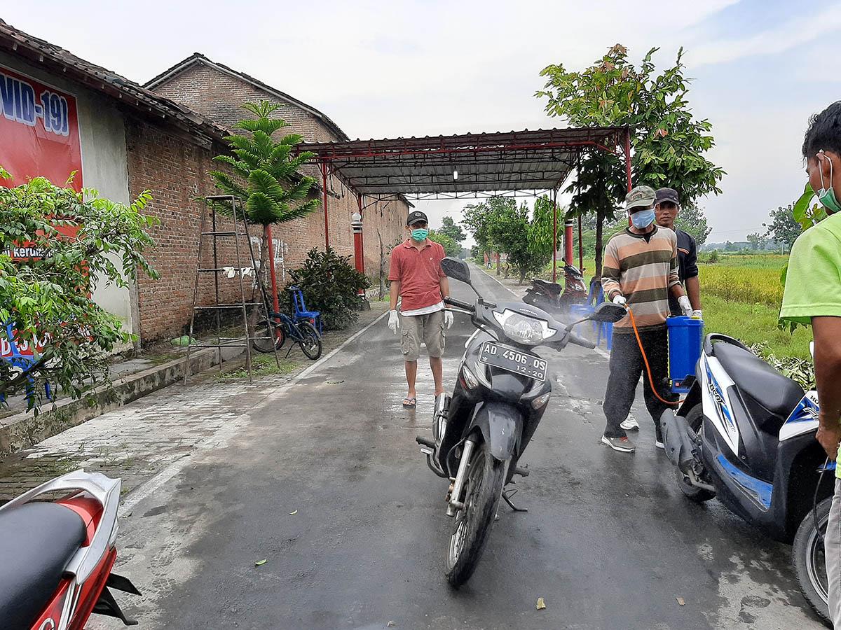 Photo of Jurus Desa Kagokan Lawan COVID-19, Diberlakukan Satu Pintu