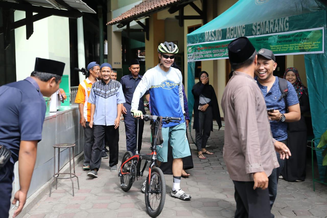 Photo of Keliling Masjid, Ganjar Cek Kesiapan Salat Jumat