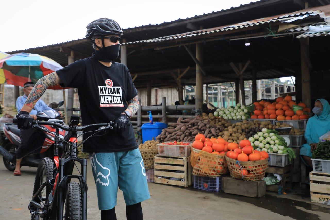 Photo of Ganjar Rela Gowes 53 Km Temui Petani, Ada Apa?