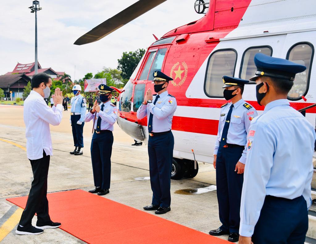 Photo of Presiden Gunakan Heli Merah Putih Kunjungi Kapuas