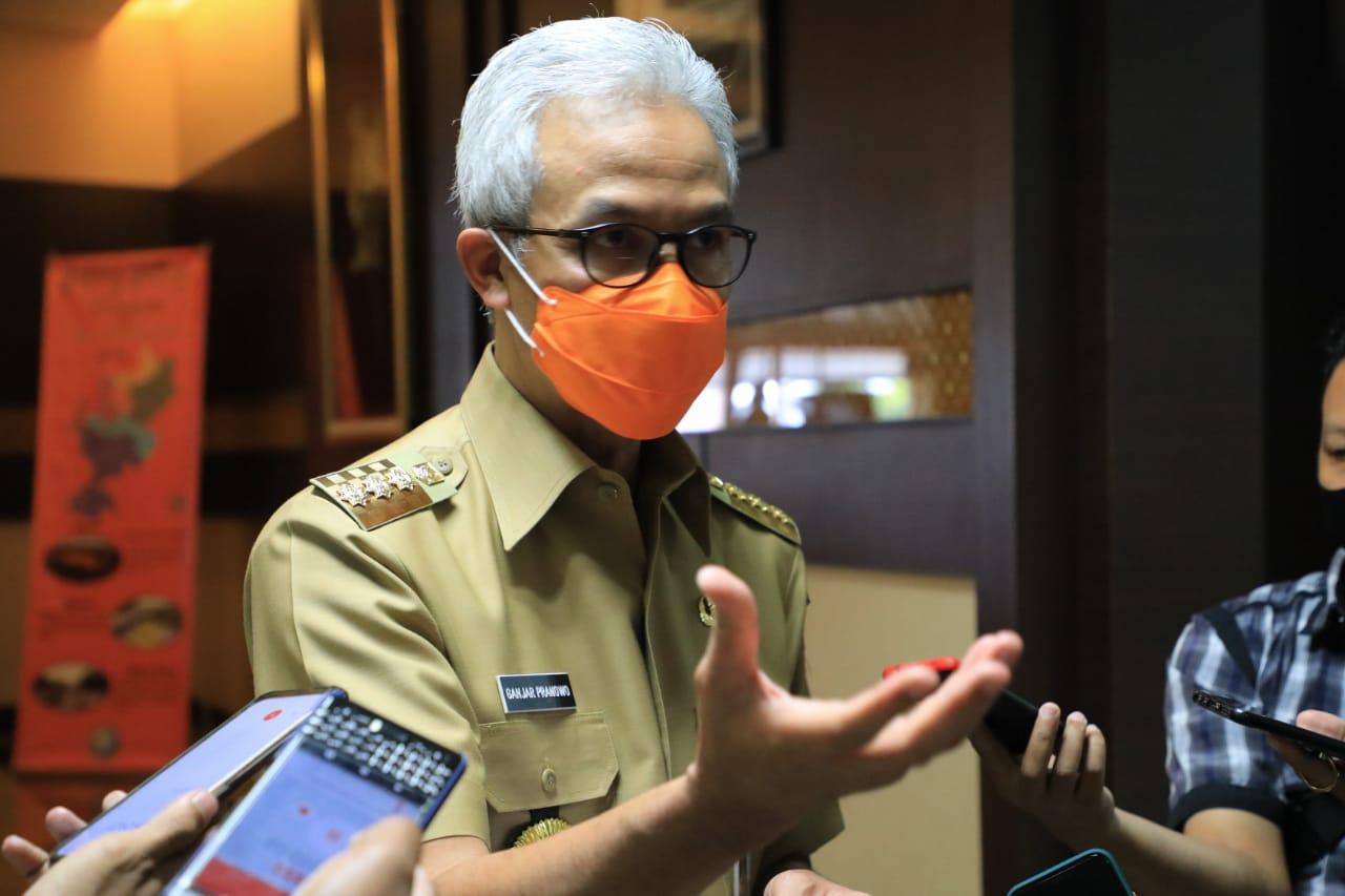 Photo of Ganjar; Kami Cek Sendiri, Kepala Daerah Yang Tak Mau Tes Masif