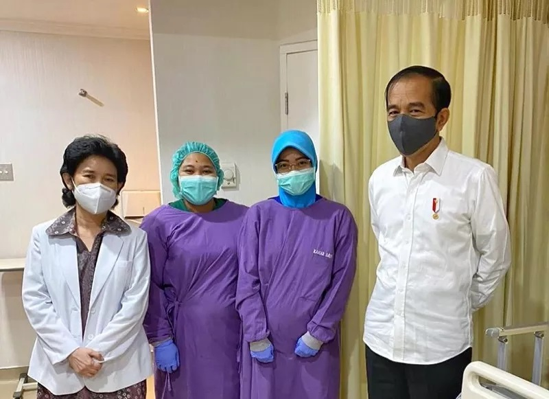 Photo of Jokowi dan Ibu Iriana Sambut Kelahiran Cucu Keempat