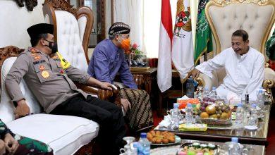 Photo of Ganjar Ajak Kapolda Jateng dan Forkompimda Sowan Kediaman Habib Luthfi