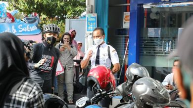 Photo of Melihat Kerumunan di Bank Bri, Ganjar Ingatkan Pengelola Untuk Terapkan Protkes