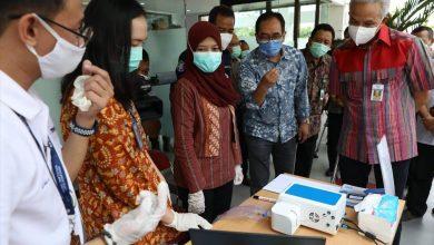 Photo of Ganjar Jajal GeNose Alat Pendeteksi Covid-19 Tingkat Akurasi 97 Persen Buatan Anak Bangsa