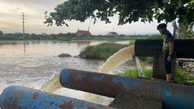 Photo of Sambil Gowes, Ganjar Cek Rumah Pompa dan Banjir di Kota Lama