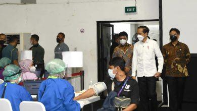 Photo of Tinjau Vaksinasi bagi Wartawan, Presiden: Semoga Dapat Berikan Perlindungan bagi Awak Media