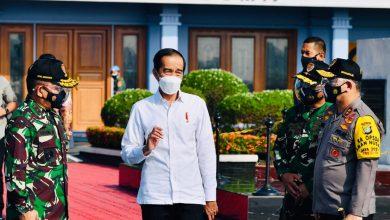 Photo of Tinjau Vaksinasi Massal Pelaku Usaha Pariwisata, Jokowi Bertolak ke Bali
