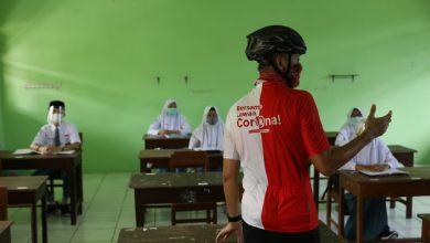 Photo of Usul Sekolah Fleksibel Terkait Seragam, Ganjar ; Sarungan Rakpopo, Penting Ilmune !