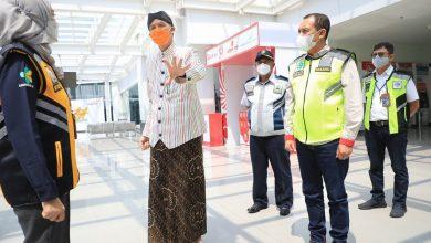 Photo of Penumpang Positif Covid-19 Lolos Terbang, Ganjar Langsung Sidak Bandara Ahmad Yani