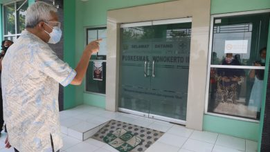Photo of Puskesmas di Pekalongan Jadi Rumah Sakit Darurat Untuk Menampung Pasien Covid, Ganjar ; Ini Cara Yang Bagus !