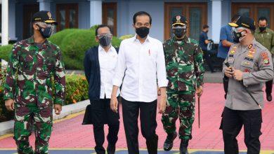 Photo of Kunker ke Cirebon dan Kuningan, Jokowi Tinjau Vaksinasi hingga Resmikan Bendungan