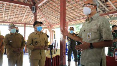 Photo of Cek Pembagian BST di Grobogan, Ganjar Temukan Karyawan SPBU dan Perangkat Desa Terima Bantuan