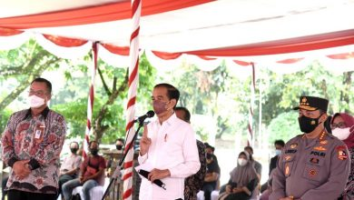 Photo of Presiden Jokowi Ingatkan Dua Kunci Pengendalian Covid-19