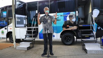 Photo of Luncurkan Bus Vaksin, Ganjar Berharap Bisa Percepat Akses Vaksinasi Masyarakat