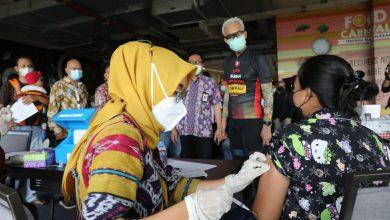 Photo of Tinjau Vaksinasi Papmiso, Ganjar Setuju Pedagang Mi dan Bakso Bisa Jualan dengan Syarat Sudah Vaksin
